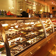 best-restaurants-cafe-brunelli-01_240x240.jpg